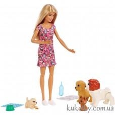 Кукла Барби блондинка уход за щенками и детский сад (Barbie Doggy Daycare Doll & Pets, Blonde)