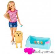 Барби с собакой и щенками