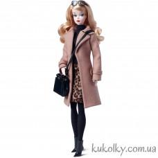 Кукла Барби силкстоун верблюжье бежевое пальто (Camel Coat Silkstone Barbie Doll)