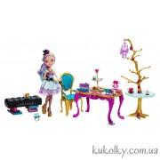 Игровой набор Чайная вечеринка с куклой Меделин Хеттер
