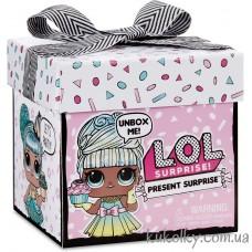 Подарок в коробке блестящая кукла глиттер шар ЛОЛ (L.O.L. Surprise! Present Surprise Doll with 8 Surprises LOL MGA)