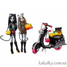Набор кукол Мяулодия и Пурсефона на скутере